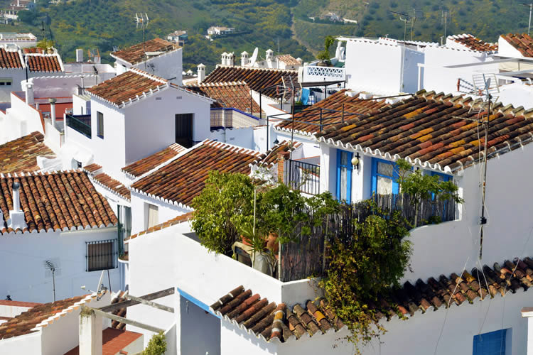 HOLIDAY VILLAS NERJA